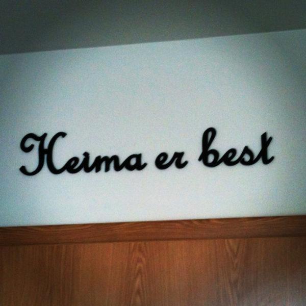 Heima er best stafir